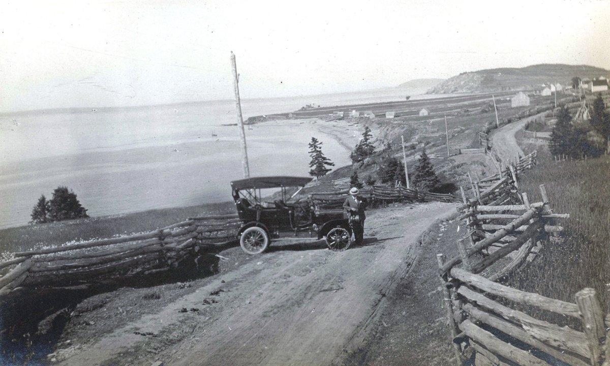 Canada – Un voyage de Québec vers la Gaspésie a travers les paroisses au 19 eme siècle NewCarlisle.1