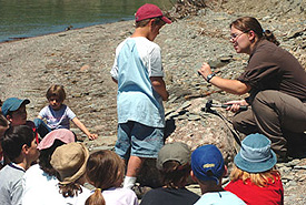 Interpretation activities at the fossil site. (Photo - Sépaq)