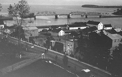 Port de Gaspé, v. 1930 / Gaspé Harbour, c.1930