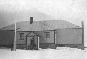 "École ""Grand Cascapedia Consolidated"" / Grand Cascapedia Consolidated School"