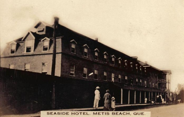 Seaside Hotel, Metis Beach, c.1910. Early photographic postcard.