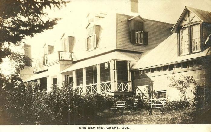 Auberge One Ash, Gaspé, vers 1915. / One Ash Inn, Gaspé, c. 1915.