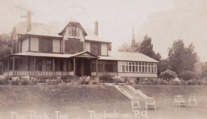 Auberge Park Inn, Paspebiac, vers 1930s / c.1930s