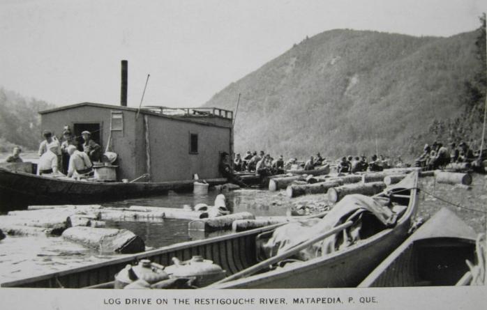 La drave sur la Restigouche, v. 1930 / Log Drive, Restigouche River, c.1930